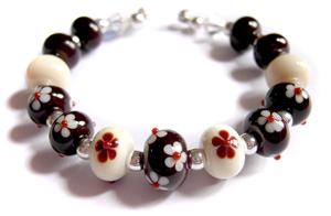 Light and dark chocolate lampwork beads