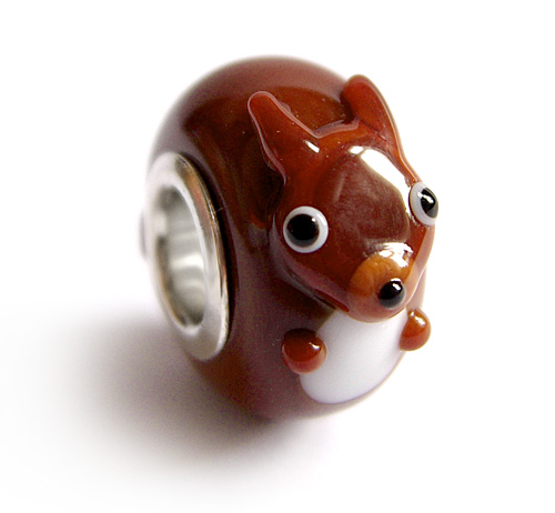 Red squirrel bead
